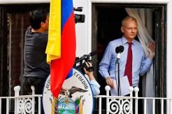 Assange-Balcony-Ecuador-Embassy